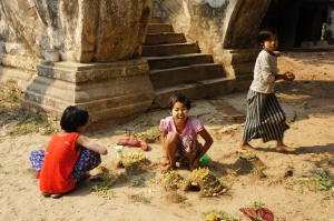 Mandalay Inwa Children